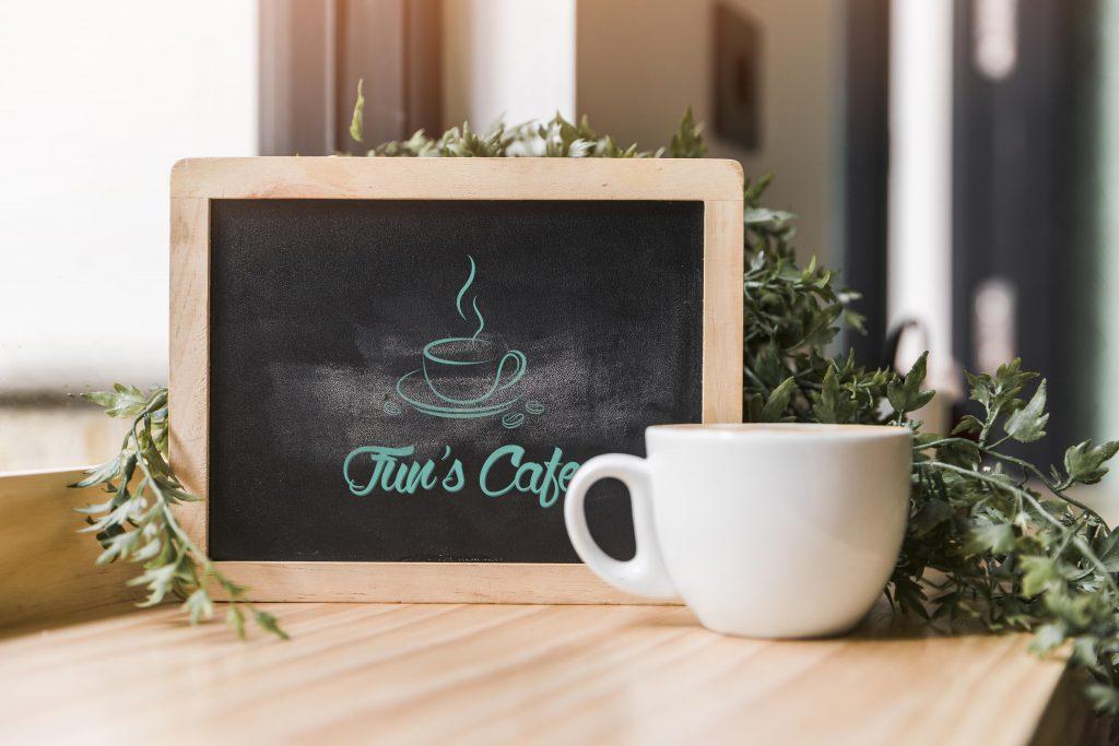 funs-cafe-mockup